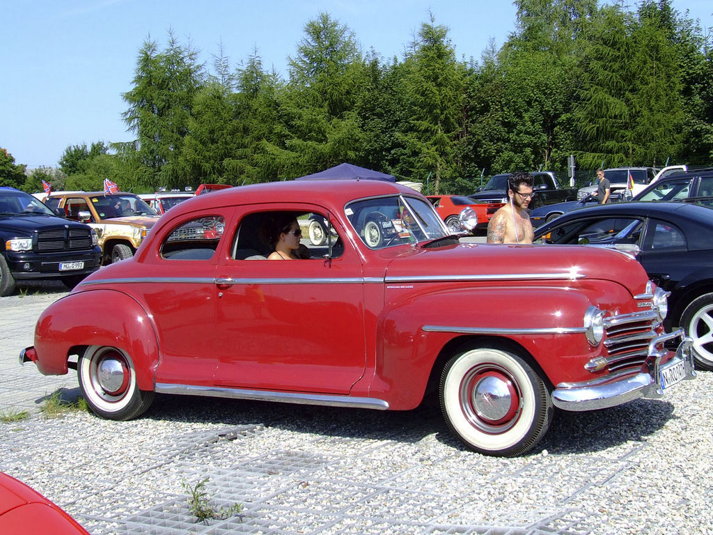 1946-48-Plymouth-Special-DeLuxe