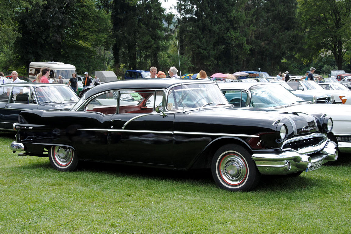 1956-Pontiac-Chieftain-Catalina
