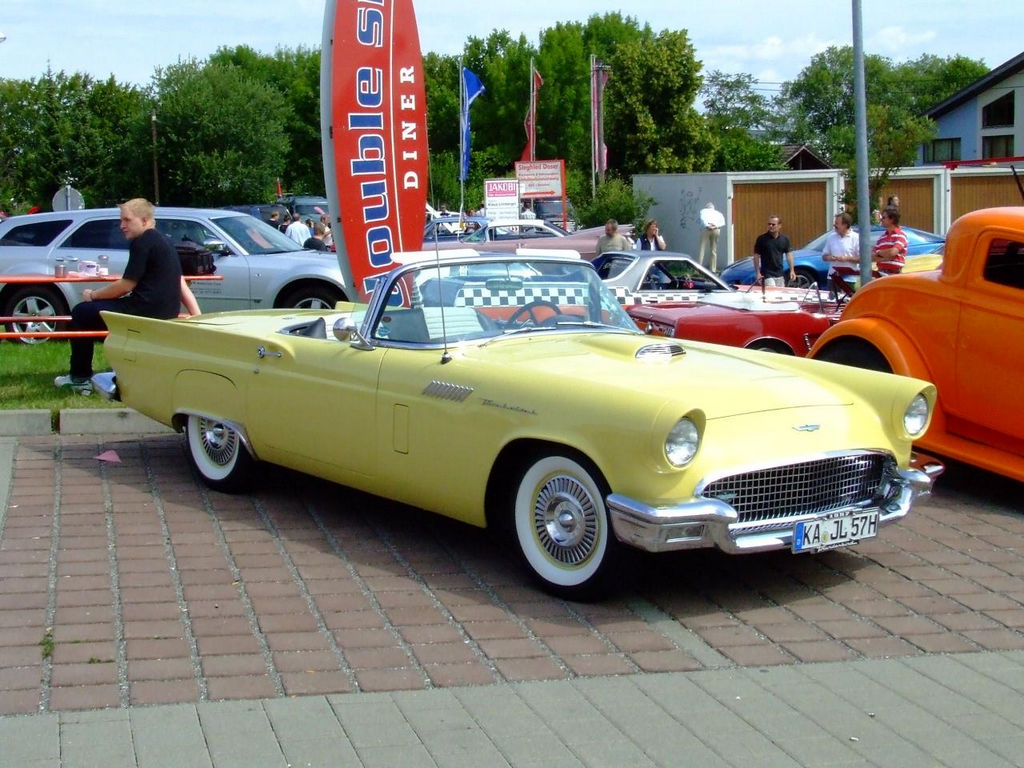 1957-Ford-Thunderbird